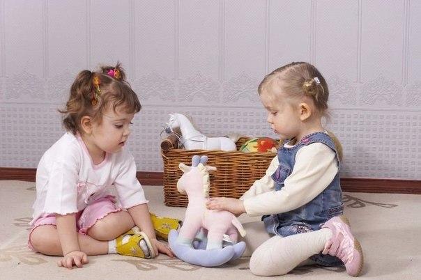 Как помочь ребенку научиться делиться