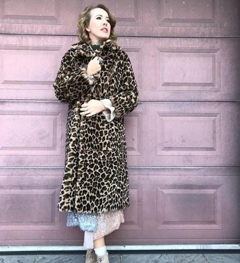 Ксения Собчак хвастается леопардовой шубой. 14590.jpeg