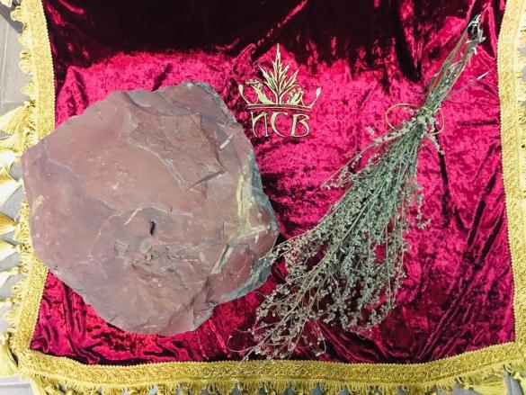 В Москве появился камень, исполняющий желания. 14677.jpeg