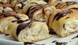 Рулетики из блинчиков с творожно–банановым кремом
